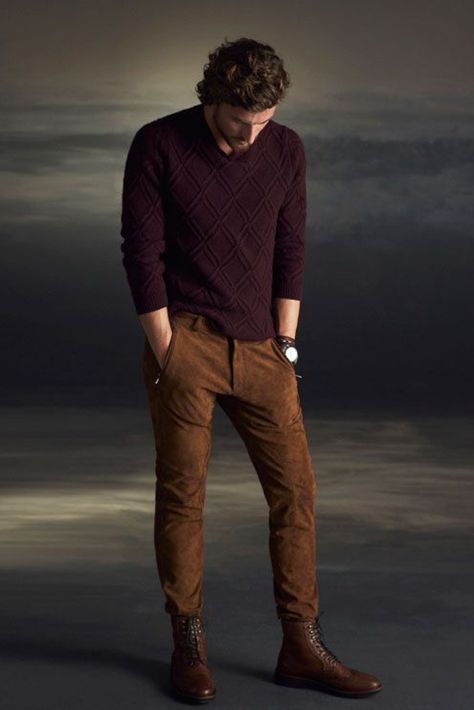 Men winter fashion 44684221290408392 - Winter is coming! Prepare now for the essentials in men's winter fashion including men's sweaters and boots. Plus all the winter layers! Mode Masculine, Mens Winter Fashion Essentials, Stylish Men, Men Casual, Casual Winter, Men's Casual Wear, Casual Boots For Men, Mens Style Winter, Casual Clothes For Men