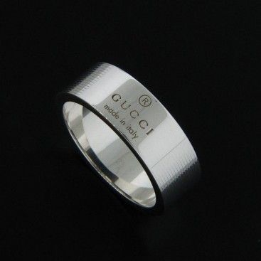 Nice Gucci Men us Ring MM wide with trademark stripes