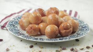 طريقة عمل لقيمات بالجبن Food Arabic Food Yummy Food