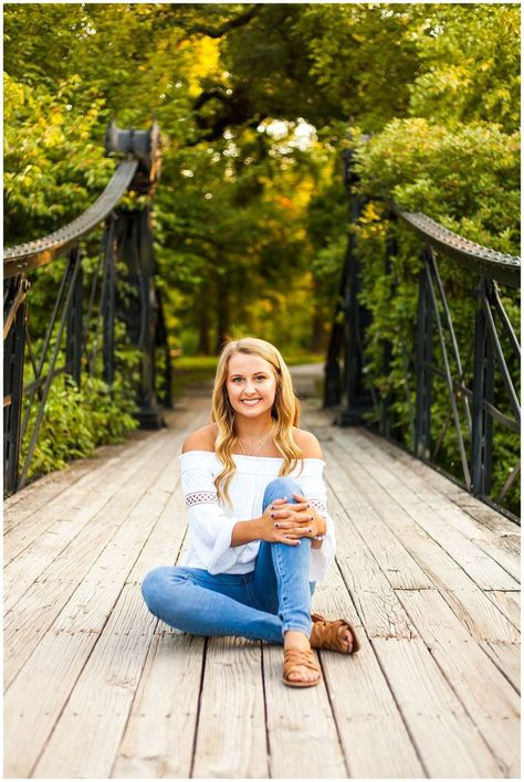 outfit + pose + setting = senior picture girl pose -You can find Senior picture poses and more on our website. Senior Picture Girls, Summer Senior Pictures, Graduation Picture Poses, Unique Senior Pictures, Country Senior Pictures, Photography Senior Pictures, Outfits For Senior Pictures, Senior Pictures Books, Softball Senior Pictures