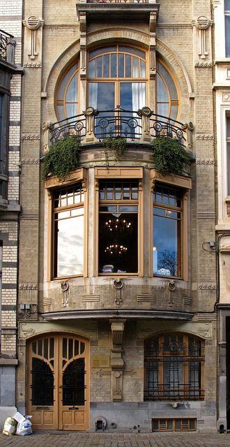 Art Nouveau Building in Brussels - Belgium. Architecture Design, Architecture Art Nouveau, Beautiful Architecture, Beautiful Buildings, Beautiful Places, Computer Architecture, Modern Buildings, Art Nouveau Arquitectura, Design Art Nouveau