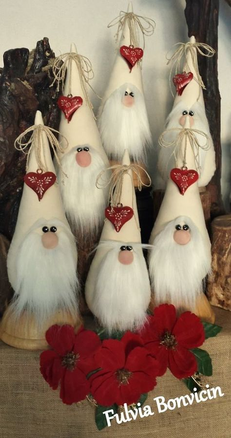Learn to make these sweet Holiday Gnomes out of fleece and foam cones! Super easy craft for the holiday season.Ever since a visit to Denmark I really liked the Scandinavian Christmas gnomes (or tomte, nisse.) for decoration during the holiday period. Christmas Gnome, Rustic Christmas, Christmas Projects, Elegant Christmas, Felt Crafts, Holiday Crafts, Diy And Crafts, Recycled Crafts, Summer Crafts