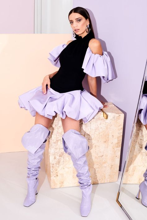 Christian Siriano Pre-Fall 2019 Fashion Show - Christian Siriano Pre-Fall 2019 Fashion Show Christian Siriano Pre-Fall 2019 collection, runway l - Women's Runway Fashion, Look Fashion, Couture Fashion, High Fashion, Fashion Show, Fashion Trends, Fashion Women, Dubai Fashion, Fashion 2018