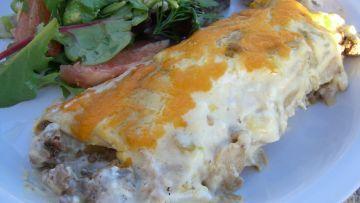 Sour Cream Beef Enchiladas Recipe Mexican Food Com Recipe Creamed Beef Enchilada Recipes Sour Cream Enchiladas