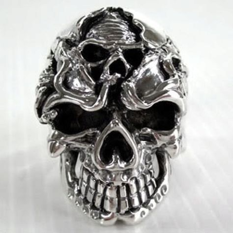 Double Skull in a ring