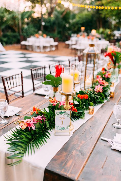 Tropical Wedding Centerpieces, Tropical Wedding Reception, Wedding Reception Tables, Beach Wedding Decorations, Wedding Table Settings, Floral Wedding, Wedding Colors, Hawaiian Wedding Flowers, Tropical Wedding Bouquets