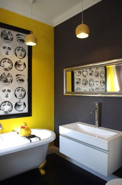 salle de bain jaune et gris