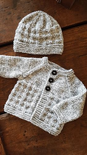 HAND KNITTED BABY HAT BIRTH TO 3 MONTH WHITE HELMET