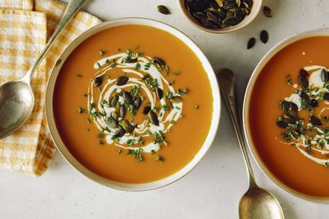 Recipe of the Day: Air Fryer Butternut Squash Soup 🥣 The high heat of an air fryer quickly caramelizes vegetables, giving this creamy soup deep flavor. The addition of a few dried spices adds warmth and seasoning.