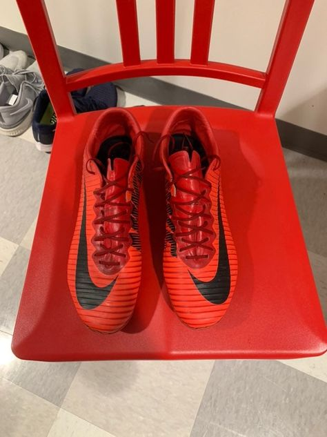 Nike Mercurial Vapor 11 Red Black Comes With Red Nike Mercurial Bag Red Nike Nike Cleats Black And Red