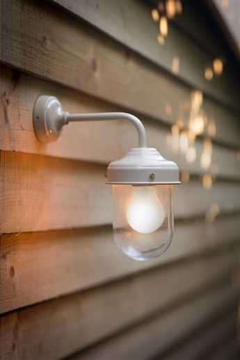 Garden Trading Barn Light en gris anthracite.