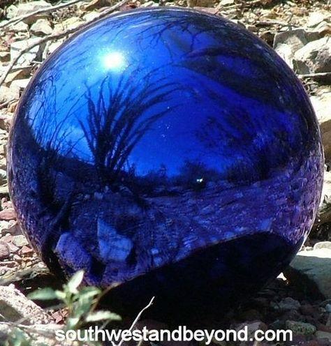 044-A Glass Gazing Ball 12 inch Cobalt Blue Garden Globe Sphere