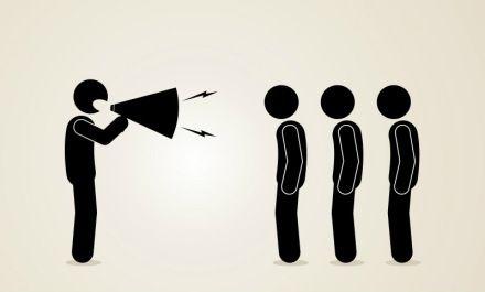 Jeder kennt das: Kaum als neuer Vorgesetzter im Amt, verändert sich der sonst so nette Kollege. Aber warum werden viele junge Chefs so hektisch und unnahbar?