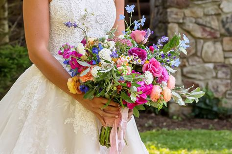 Check out the #weddingceremony details of Ellie Monahan and Mark Dobrosky including her gorgeous #weddingfloralarrangements and lush #bridalbouquet
