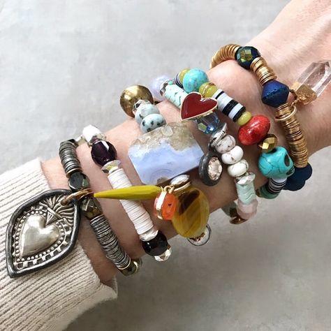 Trendy Jewelry, Jewelry Trends, Fashion Bracelets, Fashion Jewelry, Cute Little Things, Arm Party, Bracelet Making, Beaded Jewelry, Jewelery