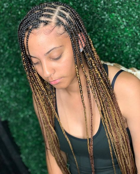 Top Bun Designed Braid Hairstyle Box Braids Side Parted Knotless Braid For A Simple Look And Casual Out Box Braids Hairstyles Hair Styles Box Braids Styling