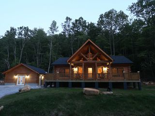Linville Falls Mountain Log Cabin Vacation Rental 3 2 With Game Room Cabins And Cottages Cabin Cabin Vacation