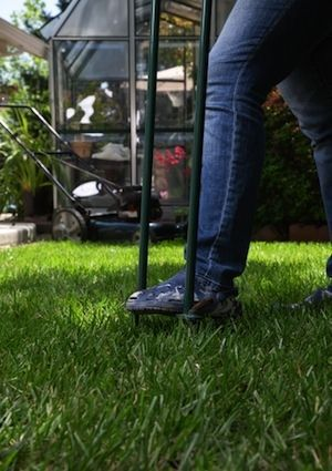 How To Ventilate A Lawn Aerate Lawn Diy Lawn Aerator