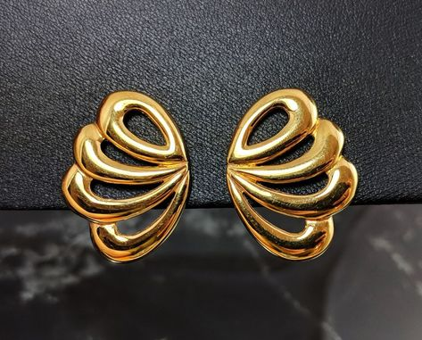 ca3e3239f Classic Vintage Gold-tone Butterfly Wing Design Clip On Screw Earrings by  Napier #Napier