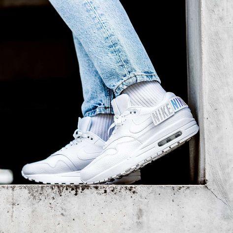 1619faf54f3a3 Nike Air Max 1-100 « Triple White » Credit : 43einhalb
