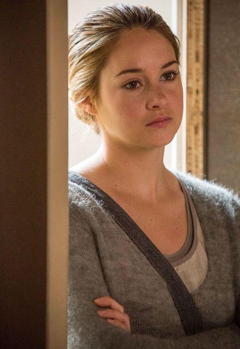 Tris, here still in Abnegation - Divergent