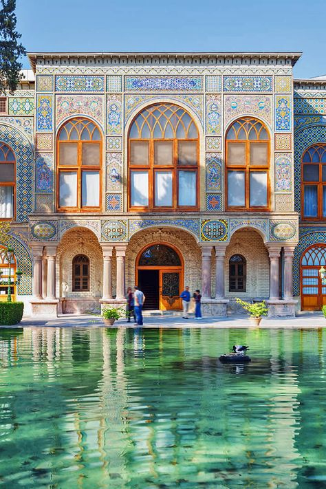 Some Good Reasons to Travel to Iran from the Heavenly Food to the Rich History