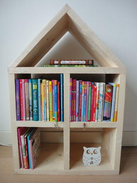 Origineel huis gemaakt van steigerhout. Te gebruiken als boekenkast, poppenhuis, letterbak, wandmeubel etc. Stoer op de baby- en kinderkamer. Sfeervol in de tuin! H= 90cm, B= 60cm, D= 30cm. Verkrijgbaar op: http://www.mmkado.nl