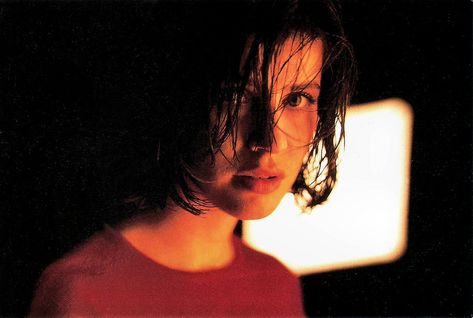 Irene Jacob in Trois couleurs: Rouge (1994)