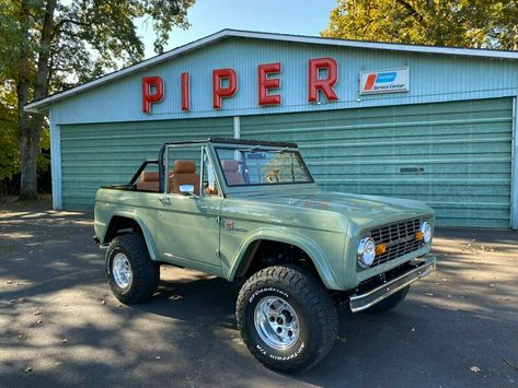 1972 Used Ford Bronco Frame-Off Restoration! Fuel Injected 306 at HighLine Classics Serving Newberg, OR, IID 19074696 Classic Ford Broncos, Ford Classic Cars, Classic Trucks, Classic Bronco, Best Classic Cars, Jeep Wrangler Tj, Mercedes G Wagon, Toyota Tacoma, Ford Econoline Van