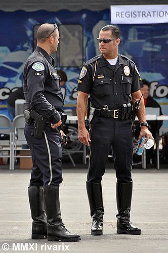 Pin By Lance Williams On Cops Law Enforcement Jobs Men In Uniform Police Workout