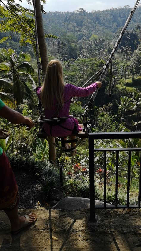 Jungle Swing in Ubud Bali Beautiful Places To Travel, Cool Places To Visit, Places To Go, Bali Travel, Travel Alone, Amazing Destinations, Travel Destinations, Fille Anime Cool, Eerie Photography