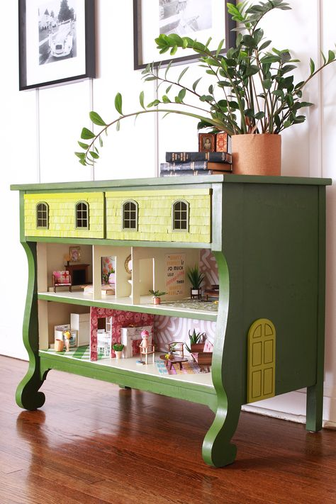 How to Turn a Dresser Into a Custom Dollhouse Furniture Projects, Furniture Makeover, Diy Furniture, Diy Projects, Furniture Stencil, Farmhouse Furniture, Diy Dollhouse, Dollhouse Furniture, Modern Dollhouse