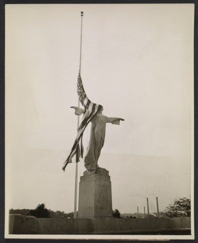 Titanic Memorial, shielded by Old Glory, 1931 May 26 via @Archives of American Art