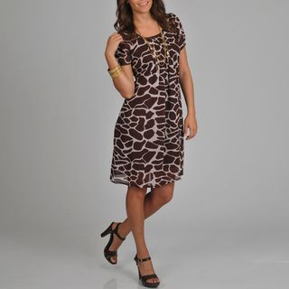 @Overstock.com - Great for the office or even a night out, these printed short sleeve dresses include a modern giraffe print. The front of the dress includes pleating for a more flattering fit. The neckline is scooped and the dress falls just to the knees.http://www.overstock.com/Clothing-Shoes/La-Cera-Womens-Giraffe-Print-Short-Sleeve-Dress/6753317/product.html?CID=214117 $42.99