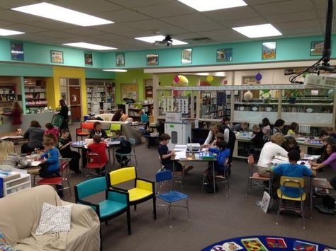 """""""#2020HowardWinn after school learning  going on NOW 40+ students THIS ROCKS! #whatisschool #FutureReady"""""""