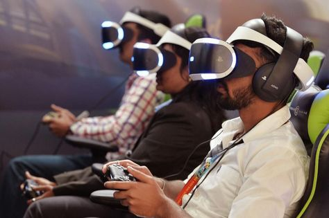 The Difference Between Virtual Reality, Augmented Reality And Mixed Reality