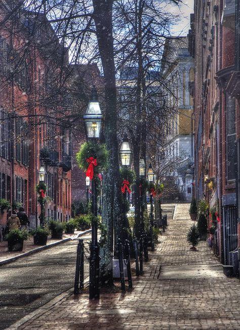 Streets of Boston's famous Beacon Hill is a historic neighborhood, Massachusetts_ USA