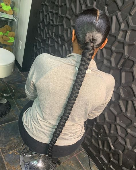Hair Ponytail Styles, Weave Ponytail Hairstyles, Sleek Ponytail, Baddie Hairstyles, Curly Hair Styles, Natural Hair Styles, Black Women Hairstyles, Hair Laid, Long Braids