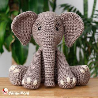 Ravelry: Beaded Elephant Head pattern by Vanessa Mooncie | 320x320
