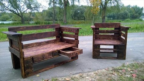 Ultra-Rustic Stained Pallet Wood Bench with Storage - #DIY Reclaimed Pallet Bench Outdoor Ideas | 99 #Pallets