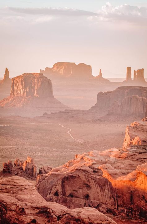 Place to Visit In Arizona. 8 Place to Visit In Arizona. the Ultimate Guide to Monument Valley for First Time Grand Canyon Railway, State Of Arizona, Arizona Travel, Visit Arizona, Arizona City, Arizona Usa, Monument Valley, Places To Travel, Places To Visit