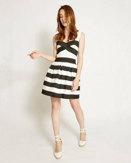 28ef3b6344 Vestido de mujer Poéte blanco y negro con efecto gomas | Ropa y ...