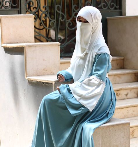 اللون ال Green Mint ده من اجمل الالوان الباستيل اللي نزلتهم وهادي جدا وبتقدري تلبسي عليه درجات كتير بعني مش متعب في اختيار الوا Niqab Fashion Niqab Hijab Dress