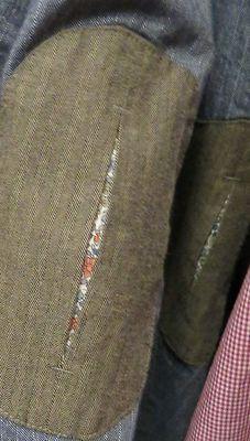 Coudières surprise - A little surprise when you bend your elbow Sewing Hacks, Sewing Tutorials, Sewing Projects, Sewing Patterns, Shirt Patterns, Knitting Projects, Dress Patterns, Fashion Details, Diy Fashion