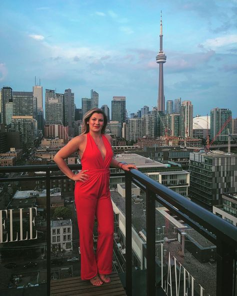 Lady in red 💋💋💋 . . . #red #ladyinred #cntower #toronto #tdot #theix #jumpsuit #nightout #latergram #Thursday #tbt #latergram #redlips #tan #sun #sunny #happy #patio #party #blonde #blondie #fun #funinthesun #ootd #outfit #city #cityliving
