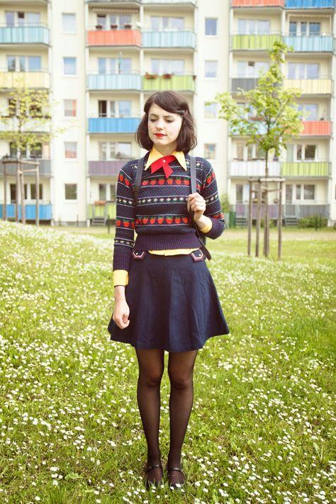 I'd prefer a longer skirt, but I'd definitely rock this #vintagelook
