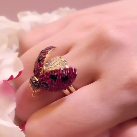 Each item hides a system underneath the body of the creature, which allows its wings to open and close by pushing the ring shanks together, with a simple touch of your finger. . . . #ladybird #ladybugs #ladybugjewelry #ruby #rings #ladybirds #luxuryjewels #diamondjewelry #jewelryart  #luxuryjewelry #highjewelry #redcarpetjewelry #hautejoaillerie #jewelrydesigner #ilovejewelry #jeweloftheday #jewelryaddict #uniquepiece #jewelryinspiration #instajewel #jewelrygram #oneofakind #jewelrylover