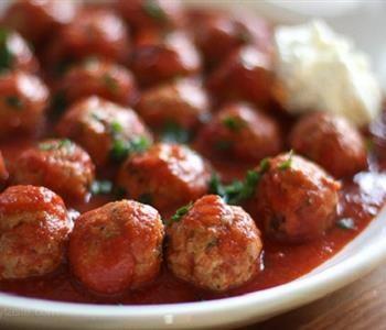 كفتة داود باشا على الطريقة السورية Skinny Taste Recipes Recipes Turkey Meatball Recipe
