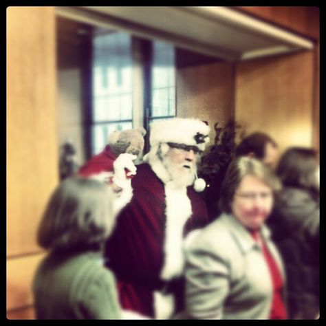 Santa spotted in Lyons!