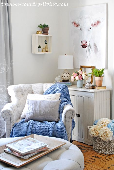 Spring Styling In The Sitting Room Simple Living Room Decor Spring Home Decor Family Room Decorating
